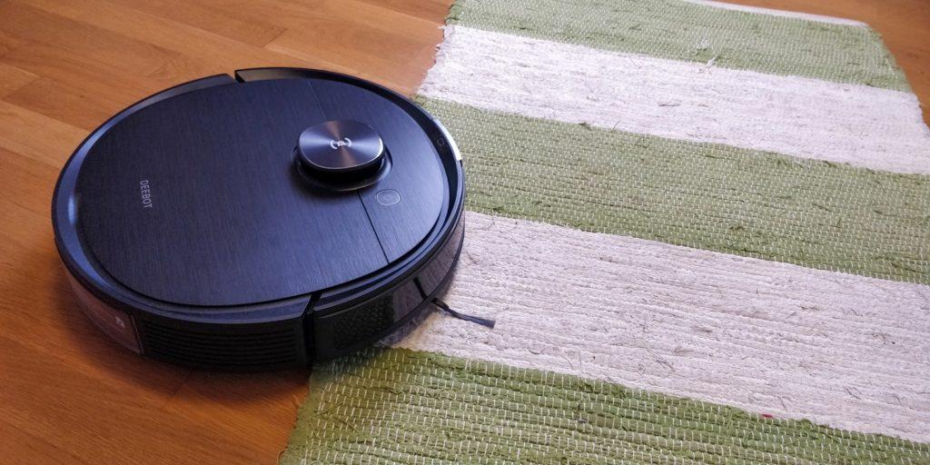 Saug Wisch Roboter mit Absaugstation